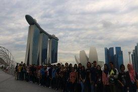 Ekskursi Mahasiswa Arsitektur ke Singapura